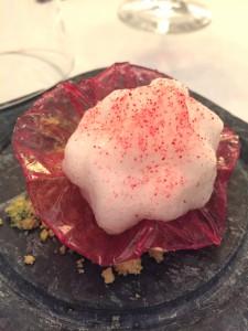 Fiore-di-ibisco-con-pisco-sour---Chef-Maria-Marte